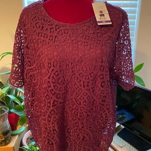 🍷Wine color 🍷 Lace eyelet Ladies Blouse NWT